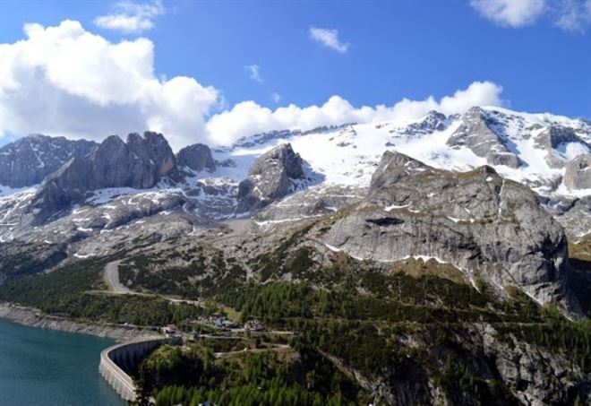 La Marmolada: per il Fisco appartiene al Trentino (Foto dal web)