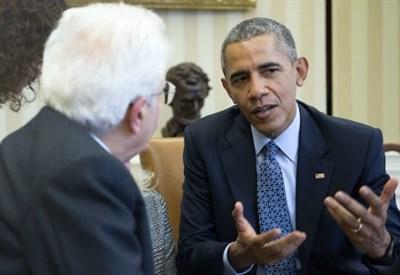 Sergio Mattarella con Barack Obama (Infophoto)