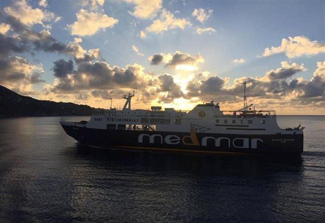 Ischia, nave contro la banchina: molti feriti