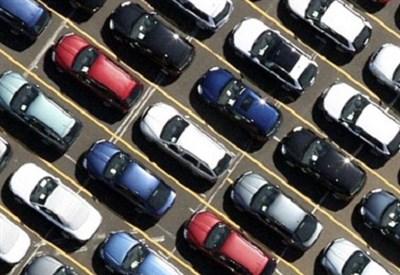 Il mercato dell'auto (Infophoto)