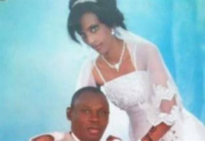 Meriam Ibrahim con il marito (Immagine d'archivio)