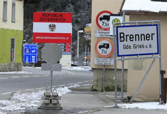 Austria. Migranti: Doskozil, 'pronti a schierare esercito'. Già al Brennero 4 blindati