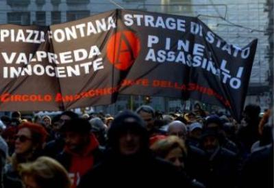 Manifestazione in Piazza Fontana a Milano (InfoPhoto)