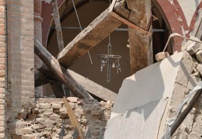 Macerie della chiesa di Mirandola, foto di Mariadonata Villa