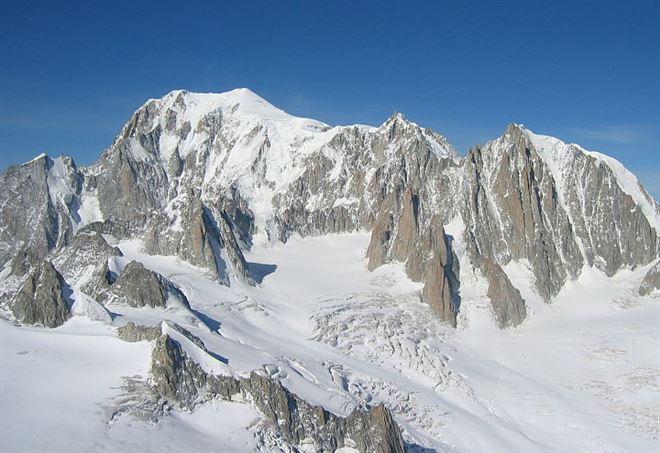 Precipita sul Monte Bianco, muore alpinista ligure