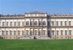 LETTURE/ Soltanto l'essenziale: 12 poeti italiani si raccontano