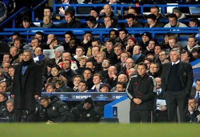 Josè Mourinho (sinistra), 49 anni, allenatore portoghese del Real Madrid, e Carlo Ancelotti, 53, allenatore del PSG (INFOPHOTO)