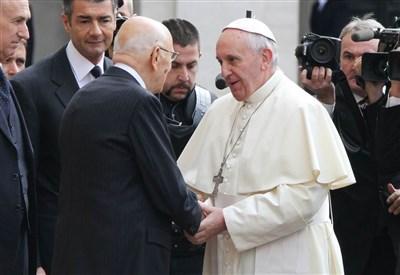 Giorgio Napolitano con papa Francesco (Infophoto)