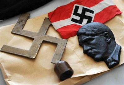 Alba Dorata si ispira al Nazismo