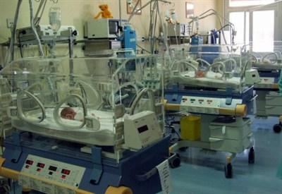 Un neonato in terapia intensiva