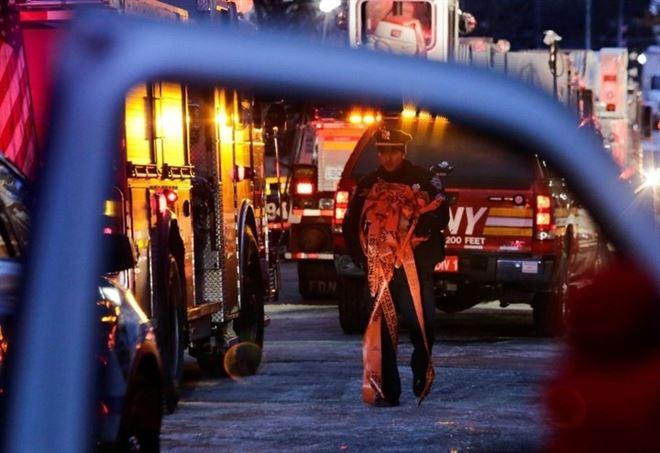 Incendio nel Bronx (LaPresse)