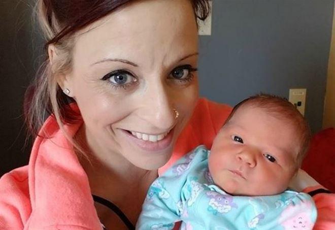 Meningite: bambina di 18 giorni muore per colpa di un bacio