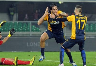 Luca Toni con Nico Lopez (Infophoto)