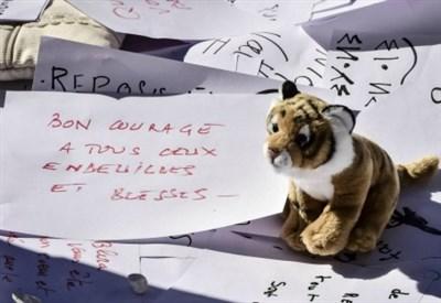 Nizza, messaggi sul luogo della strage (LaPresse)