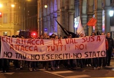 Manifestazione di No Tav (InfoPhoto)