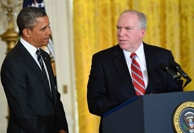Barack Obama insieme a John Brennan (InfoPhoto)