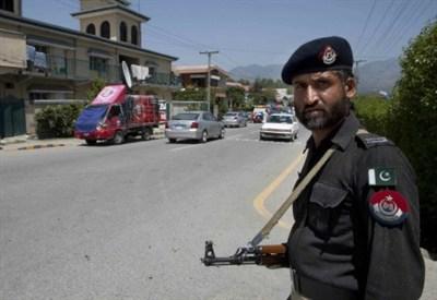 La polizia pakistana sorveglia le strade di Islamabad