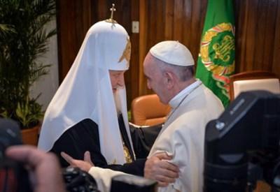 L'incontro a Cuba tra il patriarca Kirill e papa Francesco (Foto dal web)