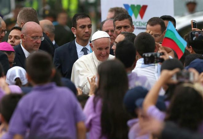 Papa Francesco ieri a Medellin (LaPresse)