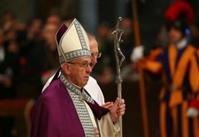 """Marcello Pera vs Papa Francesco/ """"Bergoglio fa politica, è in atto uno scisma nella Chiesa"""""""