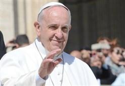 PAPA/ Francesco spiega la famiglia in piazza, ma parla ai vescovi del Sinodo