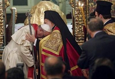 Papa Francesco e Bartolomeo I (Immagine dal web)