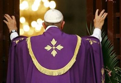 Papa Francesco apre a Bangui (Centrafrica) la porta santa (Foto dal web)