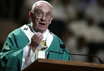 Papa Francesco dice messa al Madison Square Garden di NY (Infophoto)
