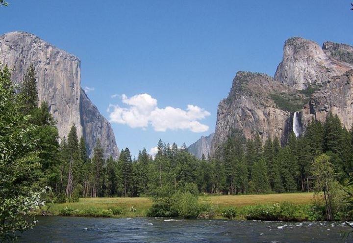 Yosemite parco nazionale minacciato da un incendio morto for Cabine di alloggio del parco nazionale di yosemite