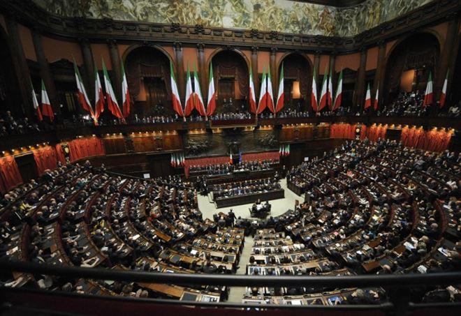 camera elezione presidente partiti votano scheda bianca