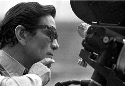 Pier Paolo Pasolini alla cinepresa (Immagine d'archivio)