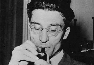 Cesare Pavese (1908-1950; immagine d'archivio)