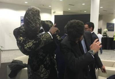 La foto postata da Paul Pogba con il presidente Andrea Agnelli (dall'account Twitter ufficiale @paulpogba)