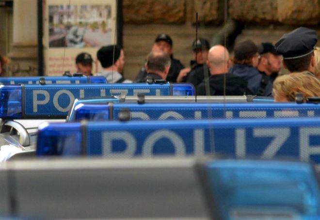 Germania, accoltella passeggeri su bus (Foto: LaPresse)
