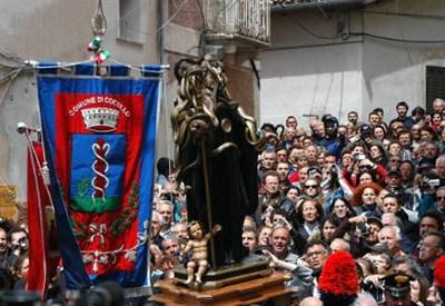 Una processione
