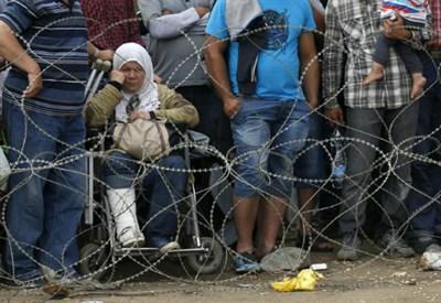 Profughi al confine con la Macedonia