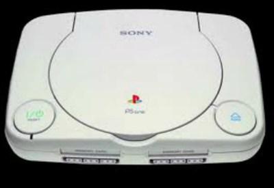 """Il modello di una """"vecchia"""" playstation Sony"""