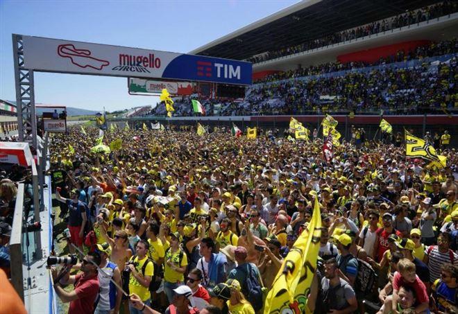 Moto Gp, spettacolo Petrucci al Mugello: è terzo davanti a Rossi
