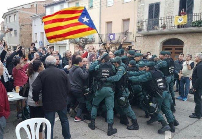 Ultime Notizie, scontri in Catalogna - La Presse