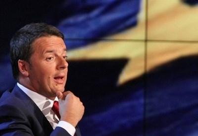 Matteo Renzi parla di Europa negli studi di Porta a Porta (Infophoto)