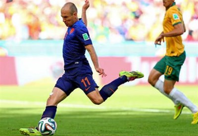Arjen Robben, 30 anni (dal profilo Twitter ufficiale @FIFAWorldCup)