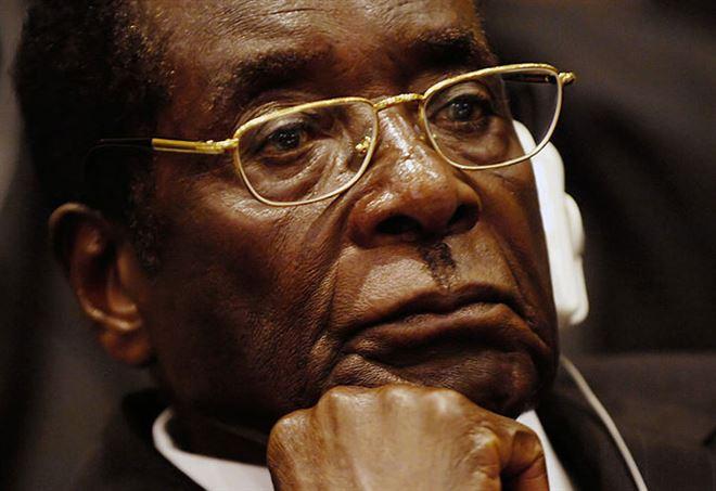 Robert Mugabe, primo piano (Wikipedia)