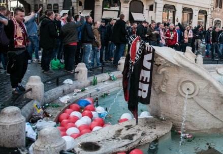 IL CASO/ Il sacco di Roma e i danni alla Barcaccia? I responsabili sono 3 (tre)