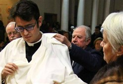 LA STORIA/ Don Salvatore, il sacerdote che benedisse papa Francesco: prete nonostante tutto