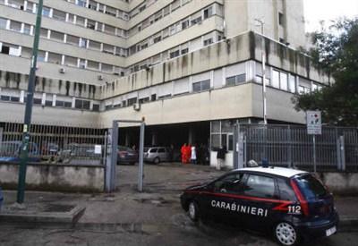 Carabinieri a Scampia (InfoPhoto)