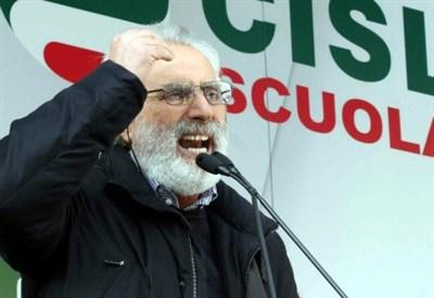 """Francesco Scrima (Cisl). Potere di veto: è lui l'""""uomo degli scatti""""? (Infophoto)"""