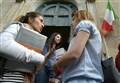 """""""Vattene dalla scuola e muori""""/ Troppi iscritti: lettera choc contro la preside"""