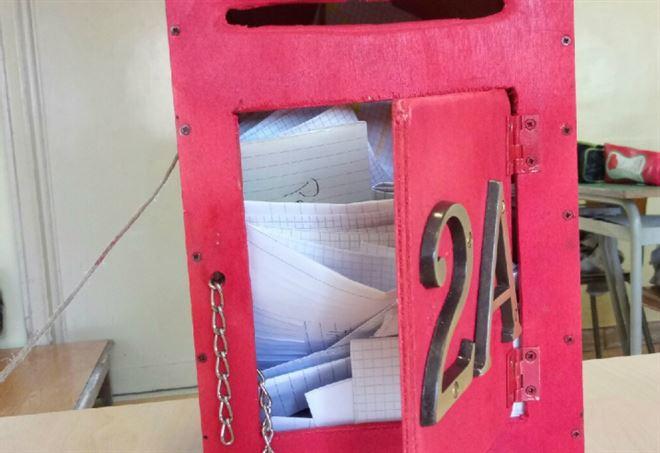 La cassetta delle lettere della classe 2A (foto dell'autrice)
