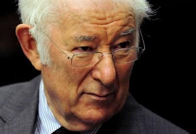 Séamus Heaney (1939-2013) (Immagine d'archivio)