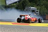 Incidente Vettel/ Foto, Formula 1: la Ferrari del tedesco infiamma il muretto (F1 GP Singapore, venerdì 16 settembre 2016)
